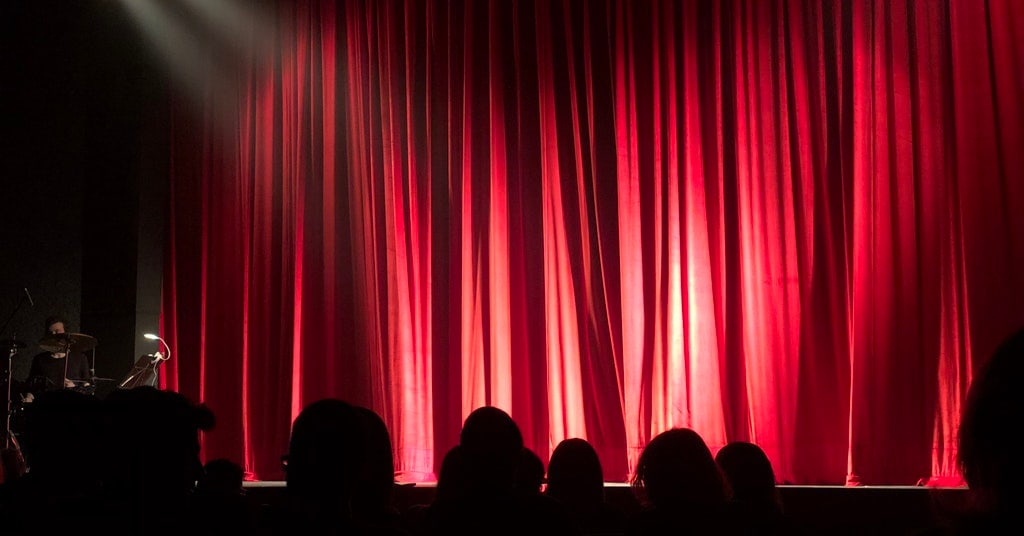 This new app helps people with hearing loss enjoy theaters