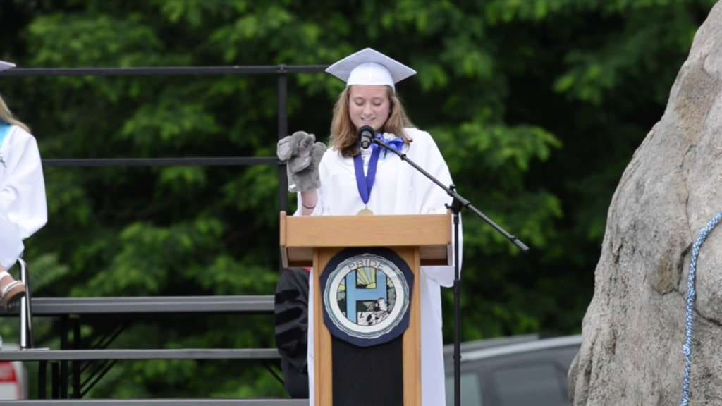 High school valedictorian gives inspiring speech about achieving success with hearing loss